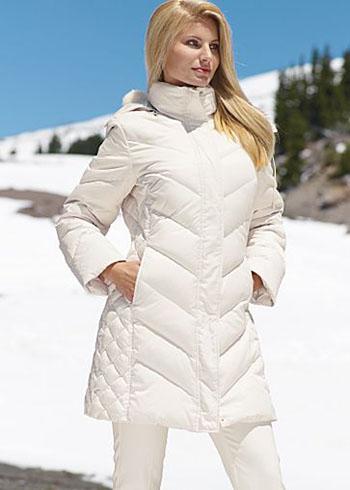 Каталог одежды Itucas: пуховики, куртки, ветровки женские оптом.